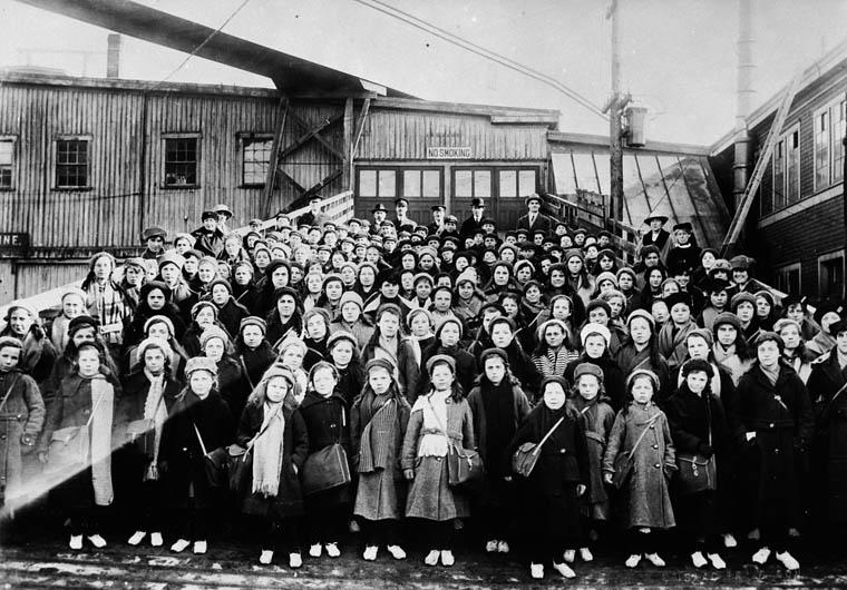 British children from Dr. Barnardo's Home at Landing Stage, Saint John, N.B.