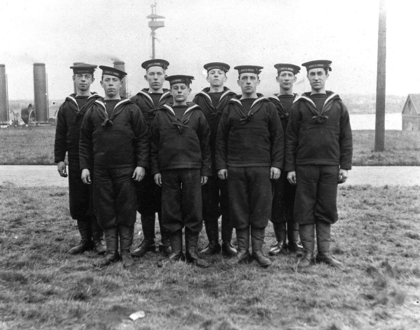 HMCS Niobe Crew