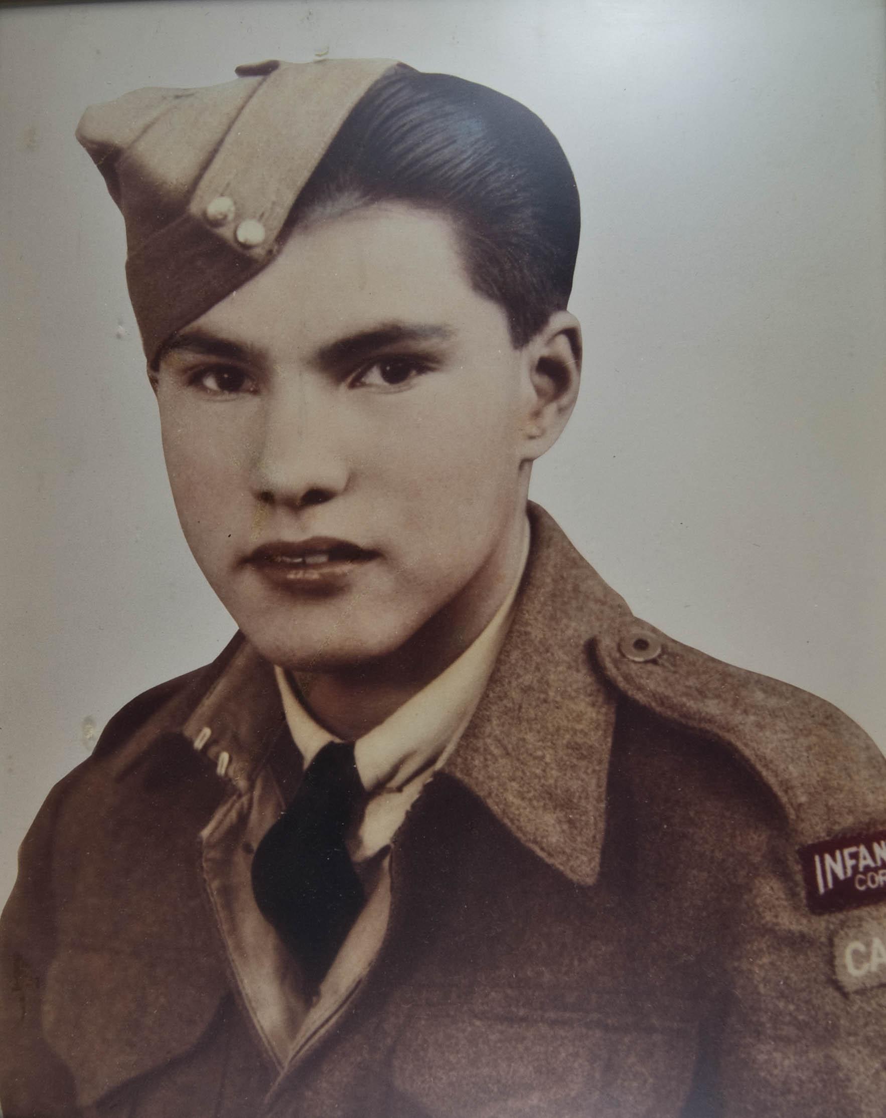 Frank Tomkins (Source primaire)