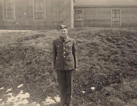 Francis Godon à North Bay, Ontario, 1942.