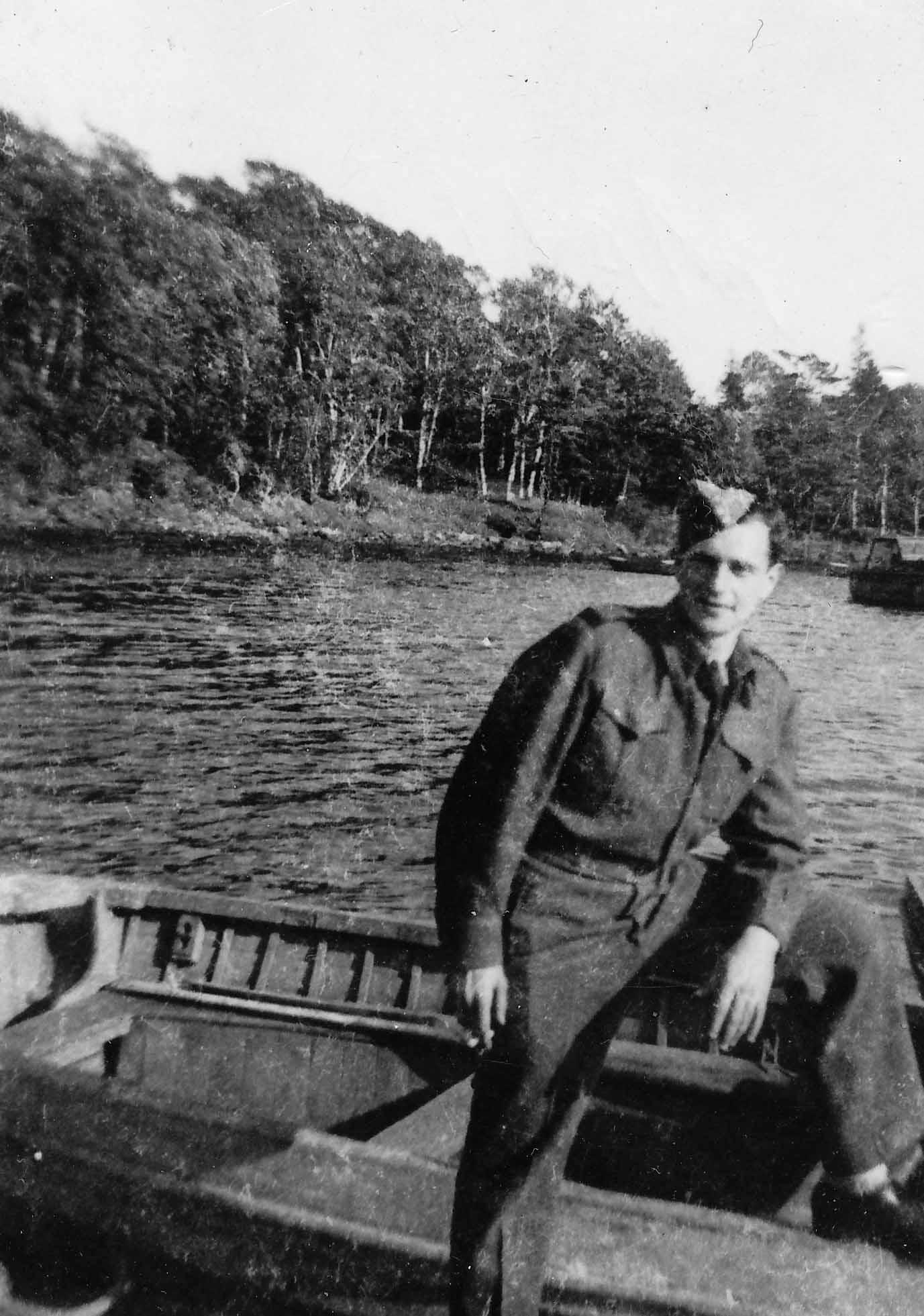 Photo de Murray Kirsh à Charlottetown, P.E.I en mai 1944.
