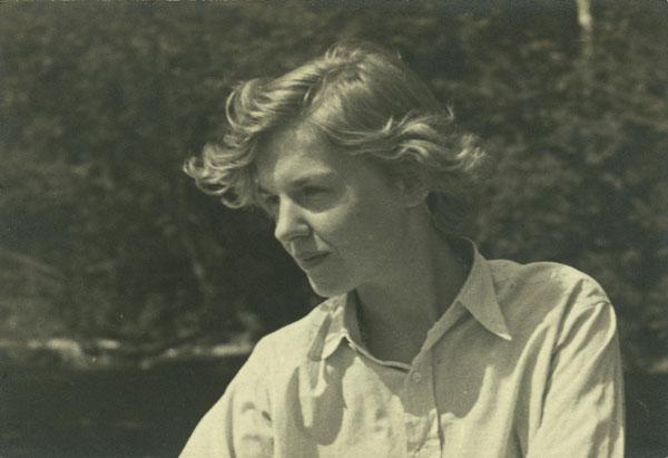 Elizabeth Smart in Kingsmere, Quebec, 1930.