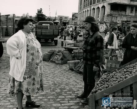Ginette Reno (\u00e0 gauche) et Jean-Claude Lauzon sur le plateau de Léolo