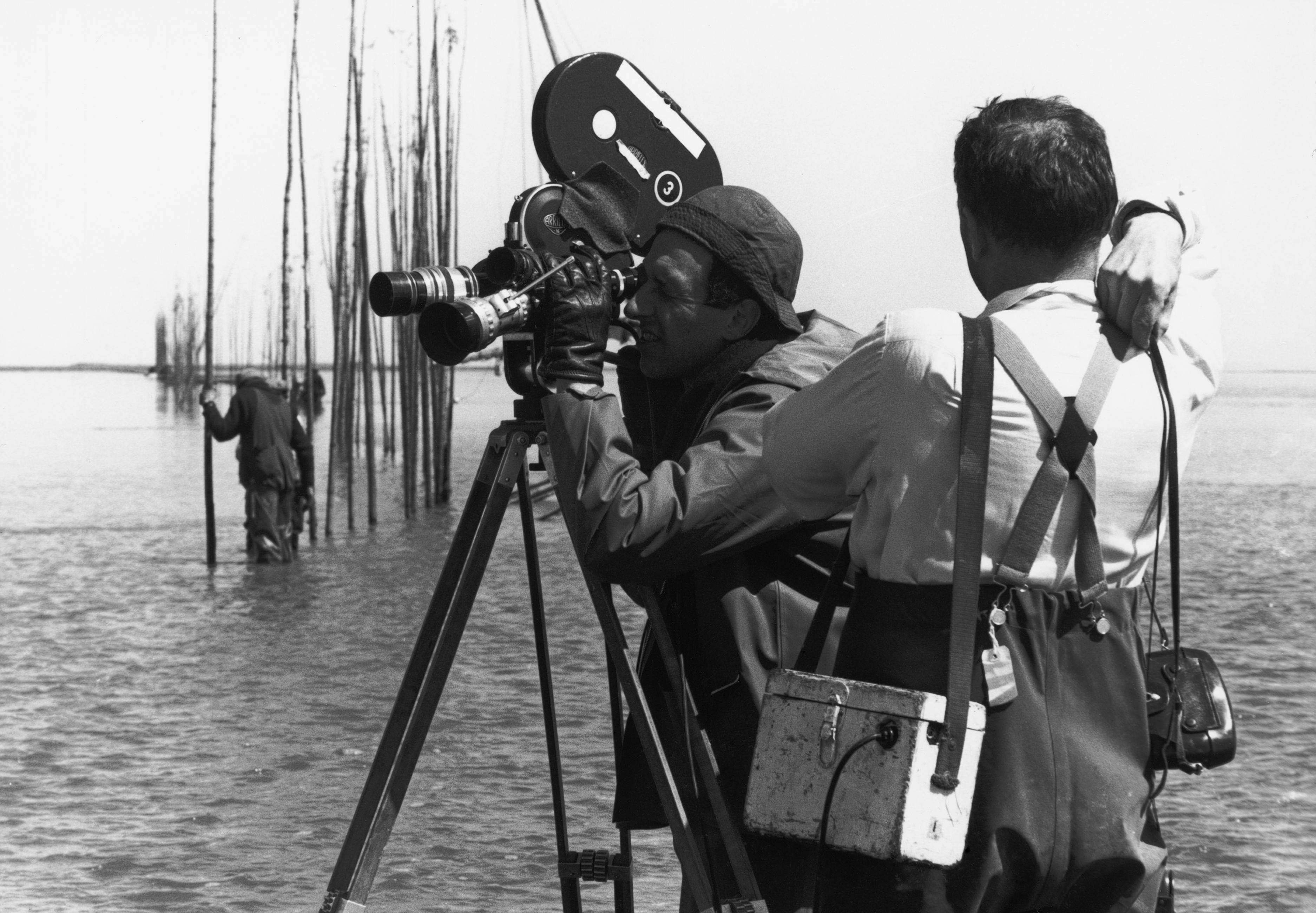 Michel Brault (à gauche) et Pierre Perrault pendant le tournage de Pour la suite du monde