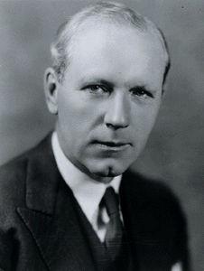 MacDonald, Angus Lewis