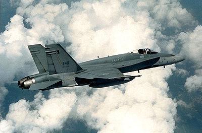 CF-18 de combat survolant l'Allemagne