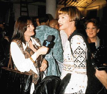 Jeanne Beker (à gauche) en compagnie de la top modèle Linda Evangelista