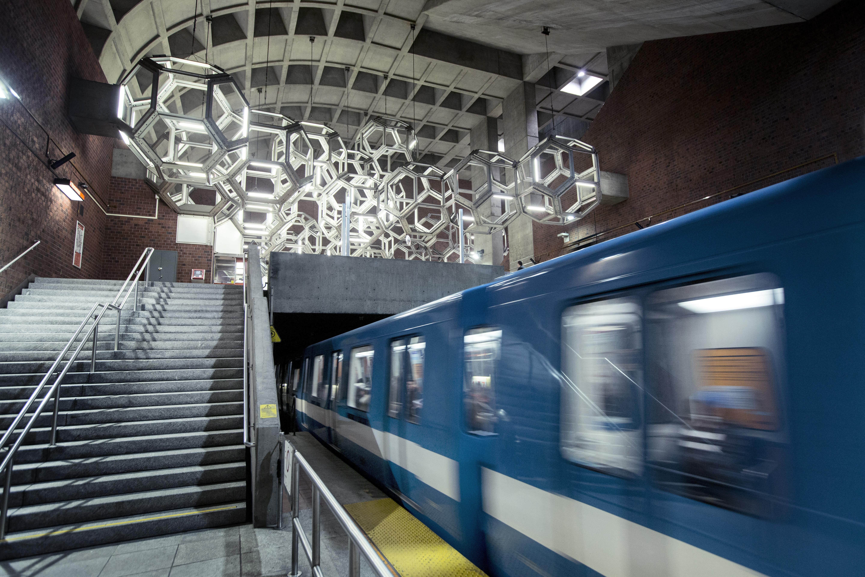Station Namur, Métro de Montréal