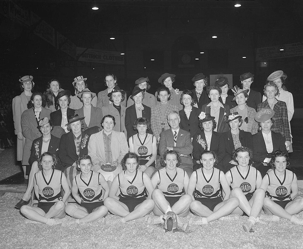 Former Grads and the last team at the final series, 3 June 1940