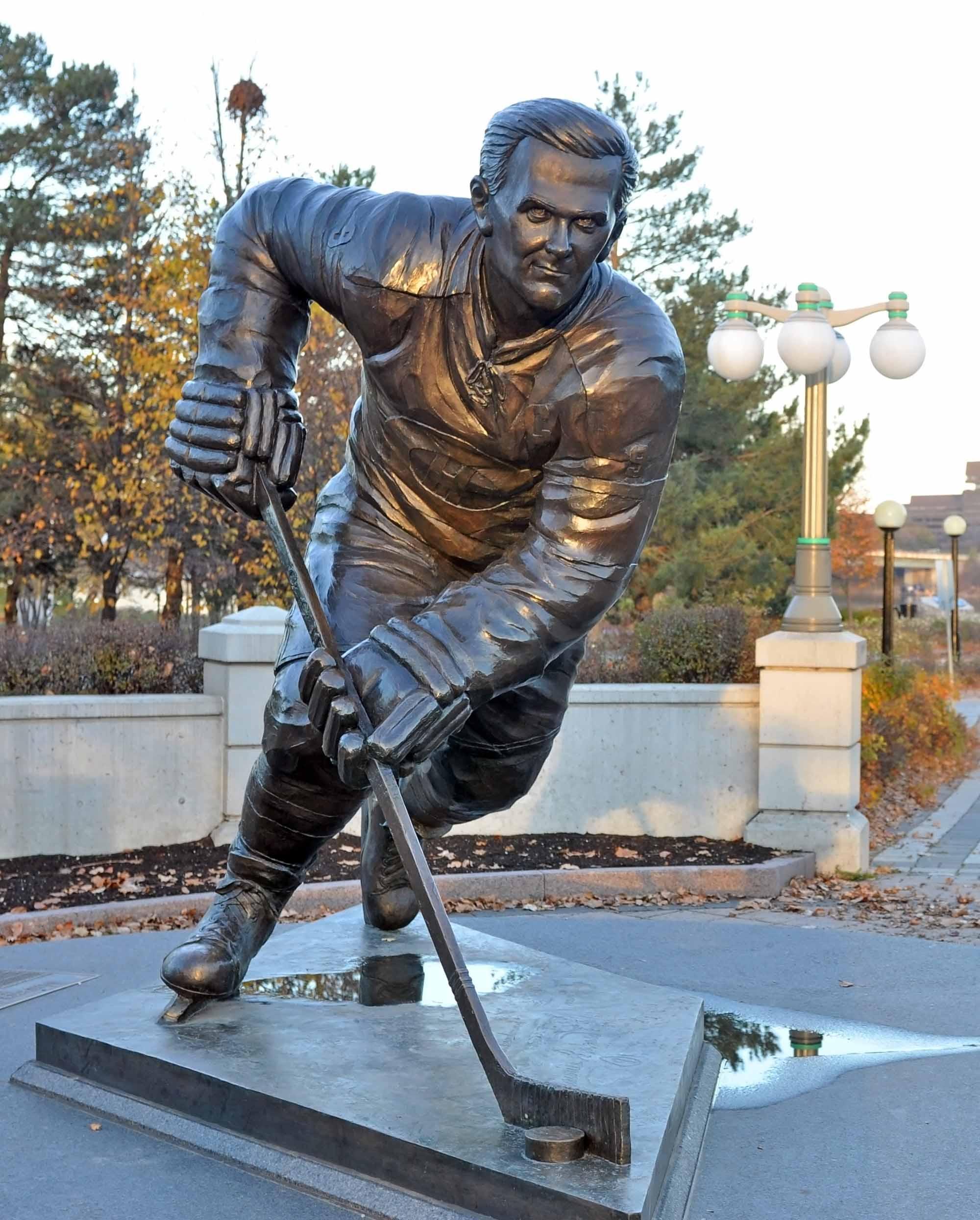 Maurice Richard Statue