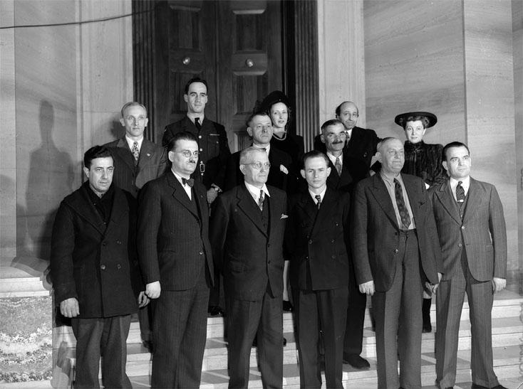 Premi\u00e8re cérémonie de remise des certificats de citoyenneté \u00e0 Ottawa, 1947.