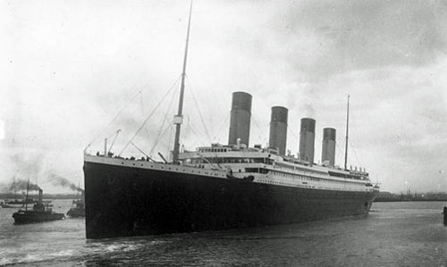Départ du RMS <i> Titanic </i>
