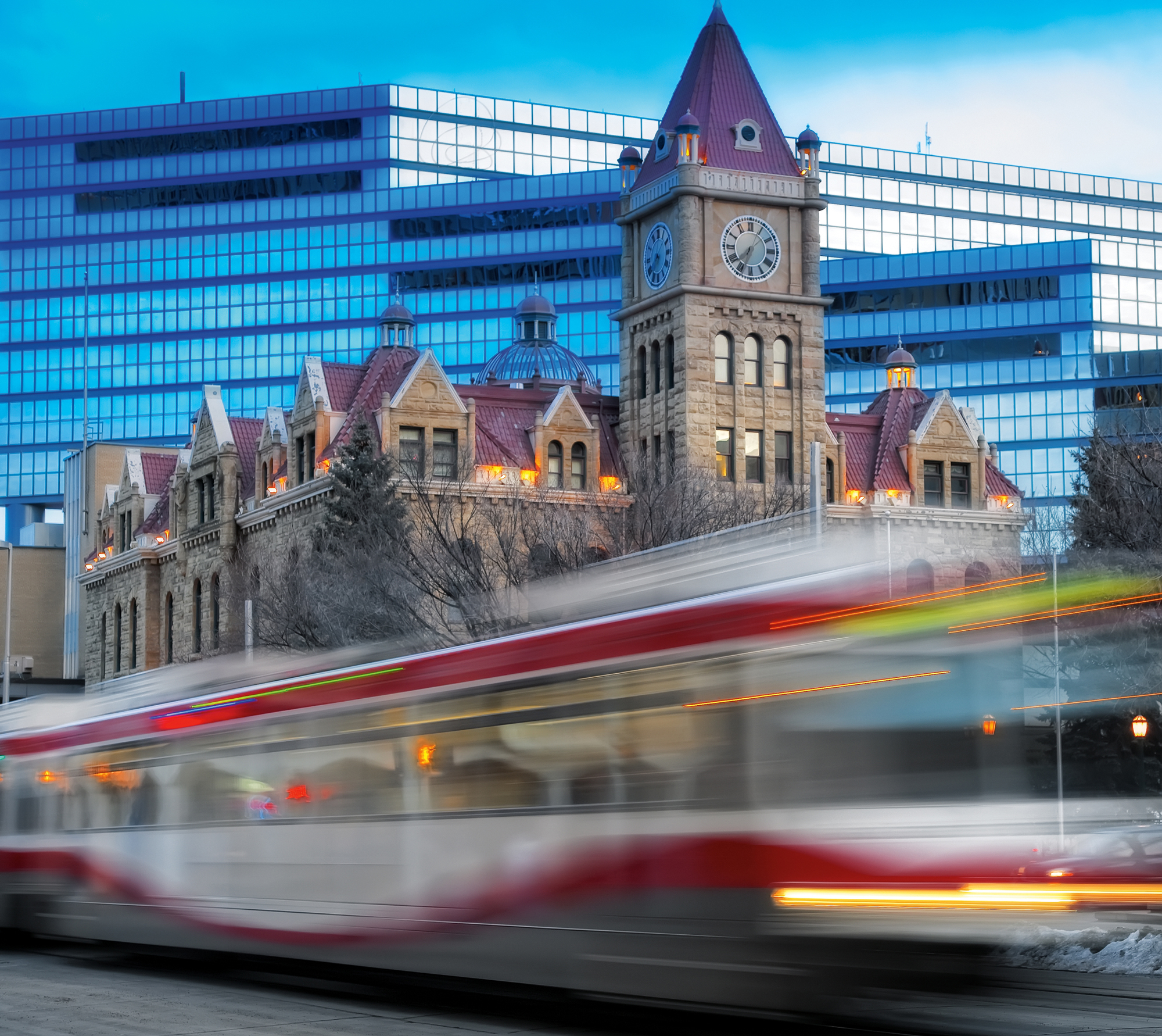 CTrain passing City Hall by day, Calgary, 2009