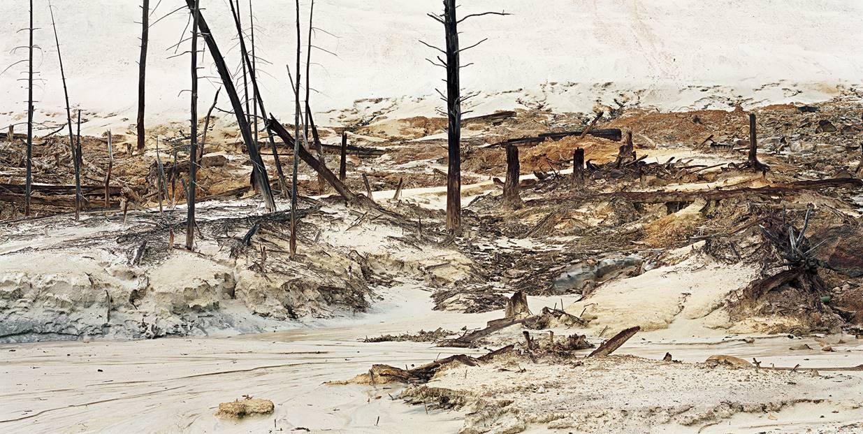 Edward Burtynsky, Uranium Tailings, Elliot Lake, ONT #7, 33 x 62.2 cm.