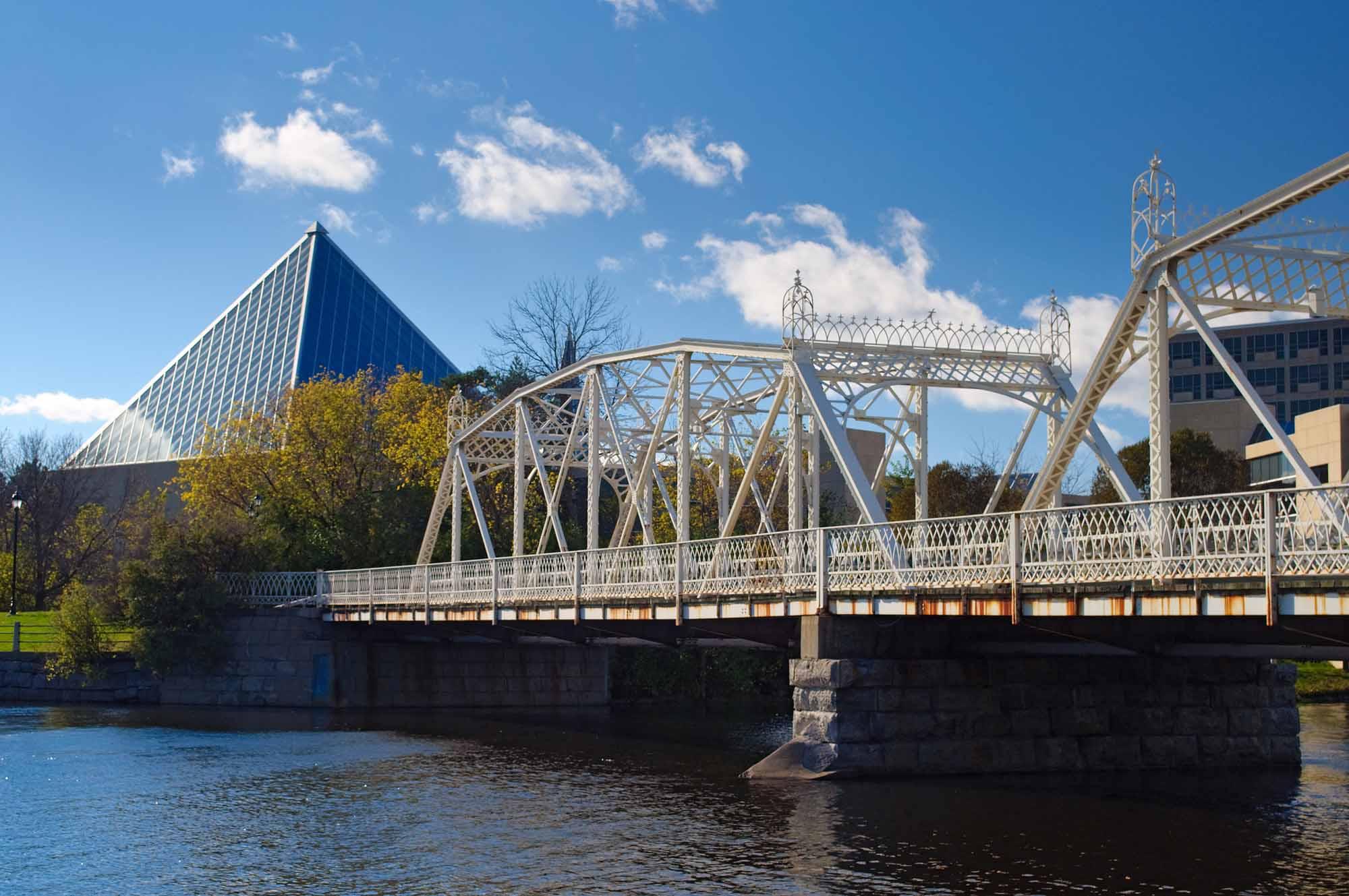 Minto Bridges