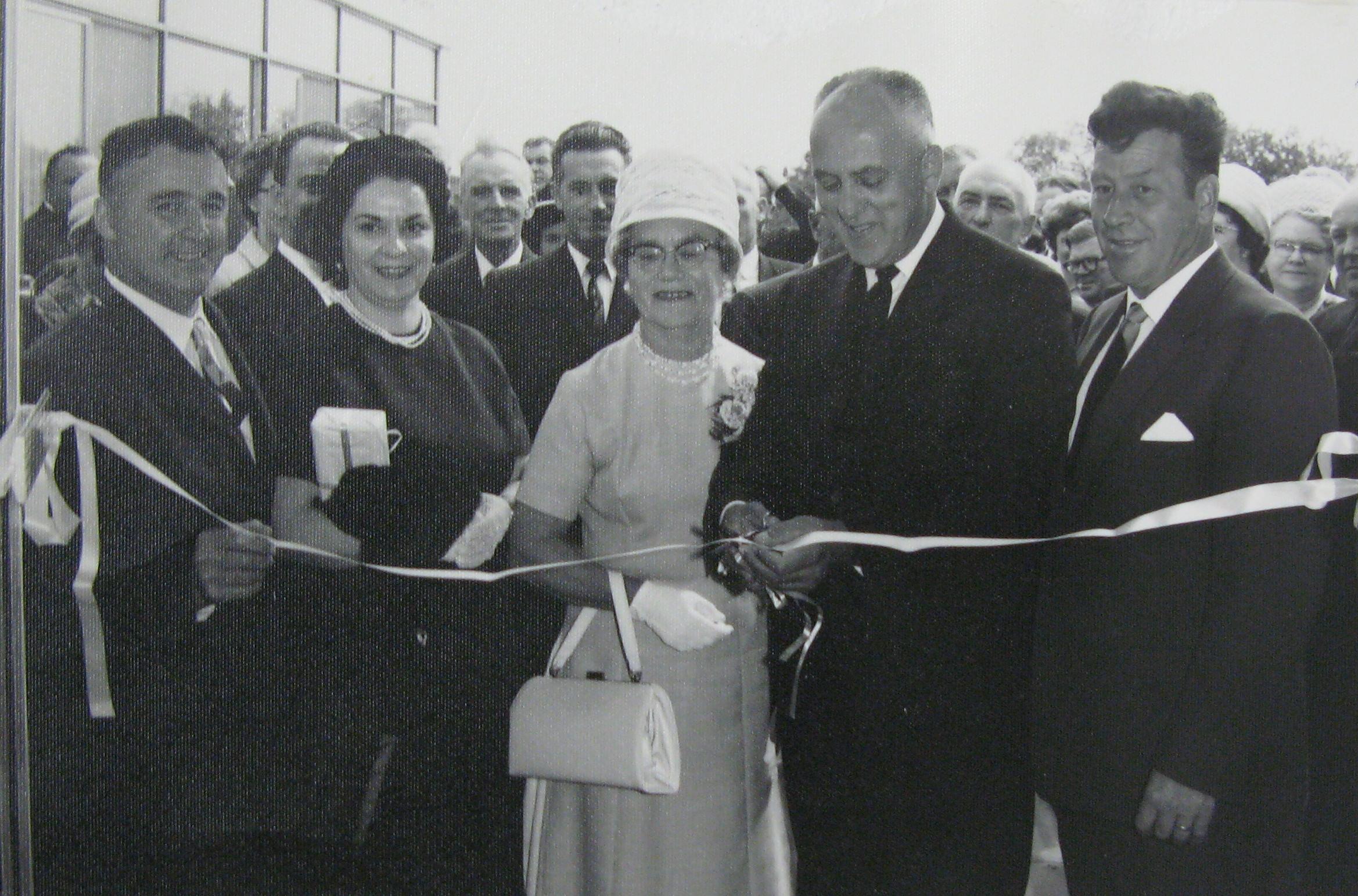 Elsie Gibbons (middle), Lady Mayor of Portage-du-Fort.