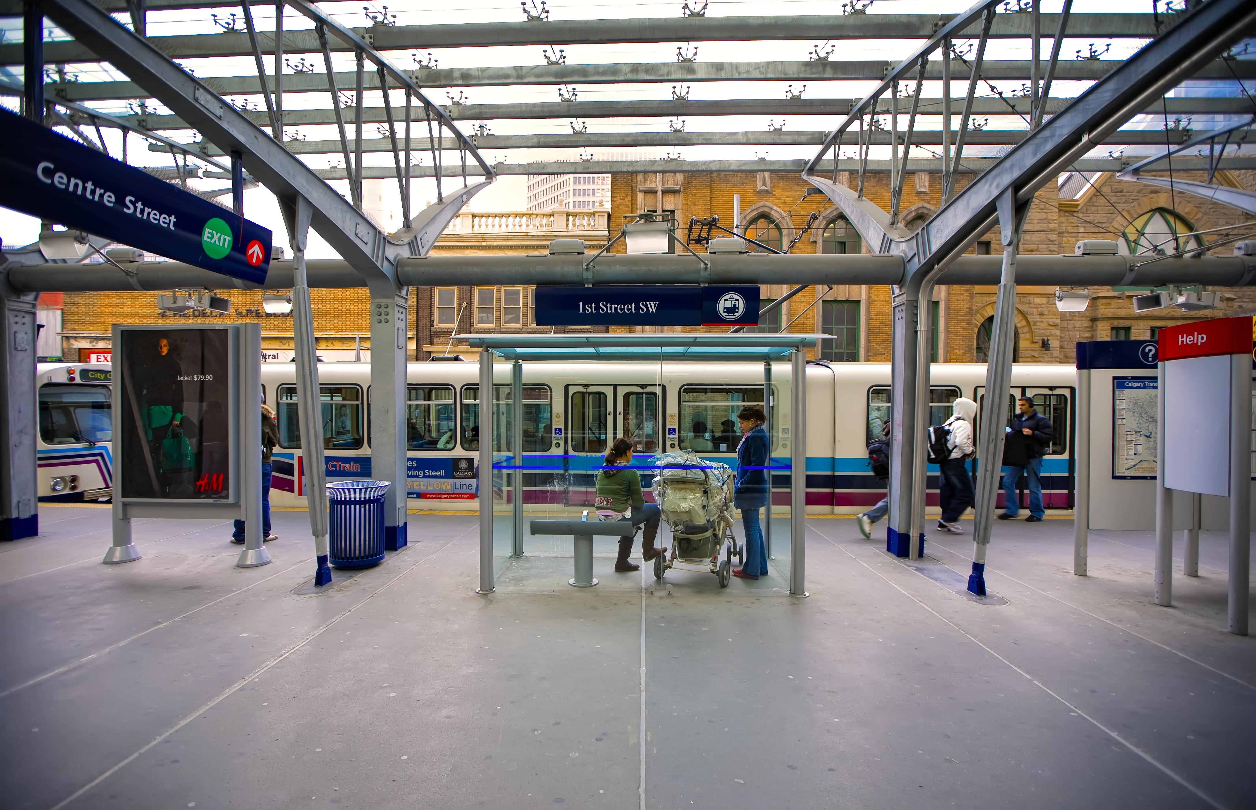 1 Street SW Station, 2009