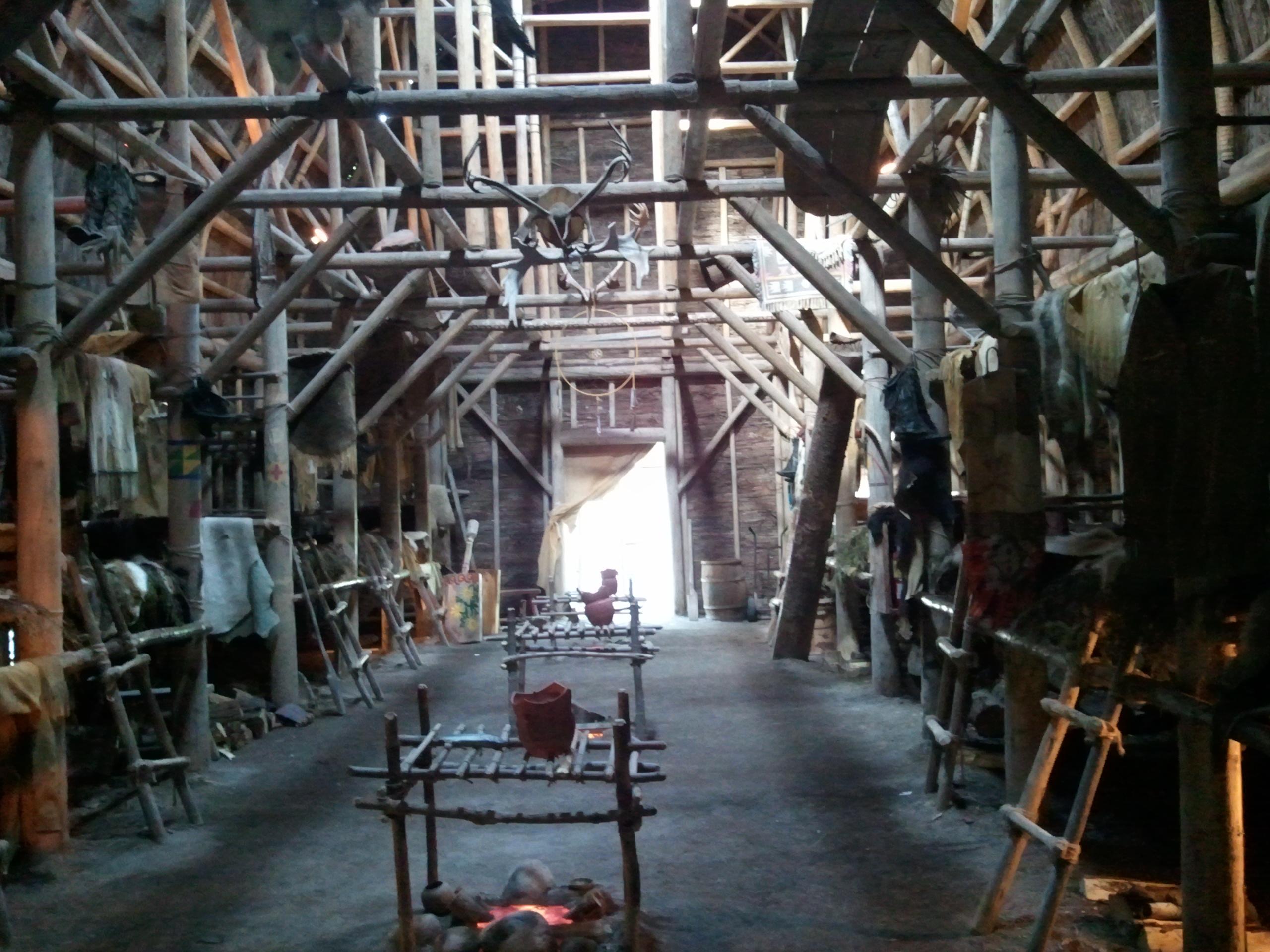 Huron Wendat longhouse