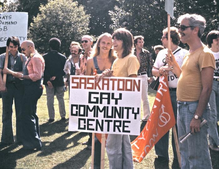 Marche de la Fierté à Allan Gardens à Toronto en 1974.