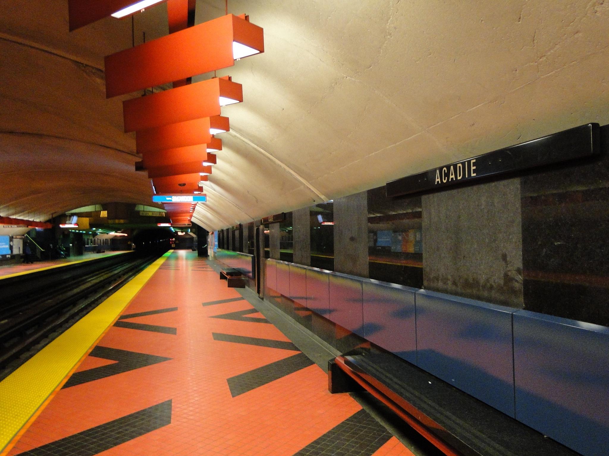 Station Acadie, Métro de Montréal