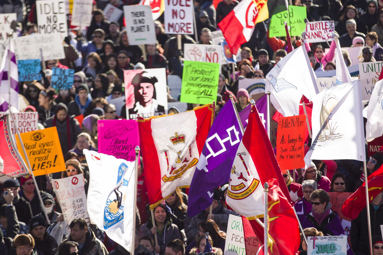 Environ 1000 manifestants du mouvement Idle No More à Windsor, en Ontario, le 16 janvier 2013.