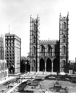 Basilique Notre-Dame de Montréal (vue extérieure)