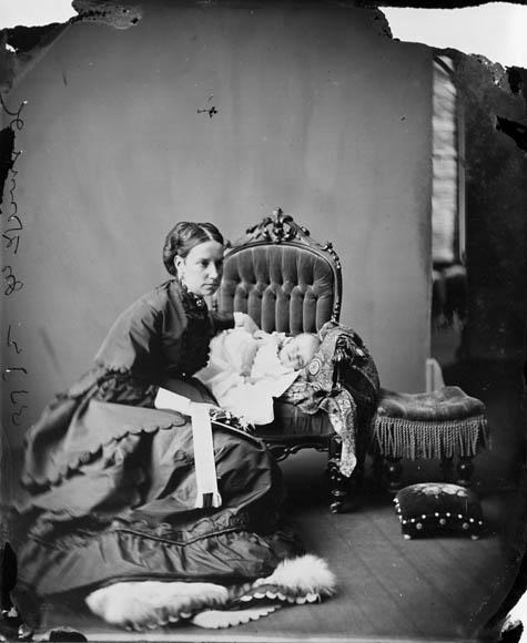 Lady Susan Agnes Macdonald, l