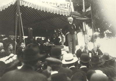 Sir Wilfrid Laurier Campaigning