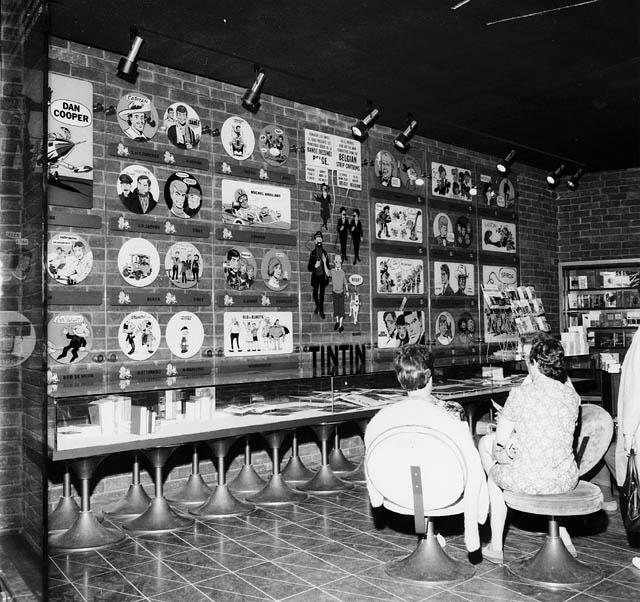 Intérieur du pavillon belge - Exposition sur les bandes dessinées à l