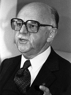 Jean Drapeau, politician