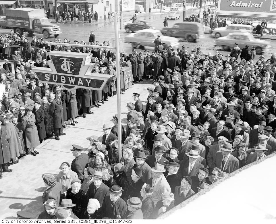 Ouverture officielle du métro de Toronto, 30 mars 1954
