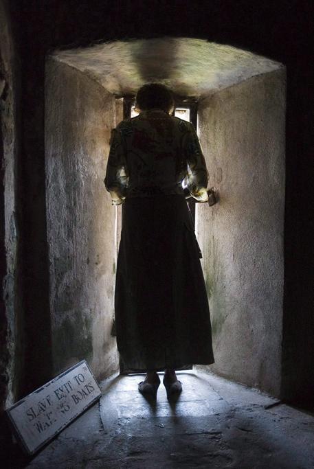 Governor General of Canada Micha\u00eblle Jean in the Room of No Return in Elmina Castle in Ghana, 2006