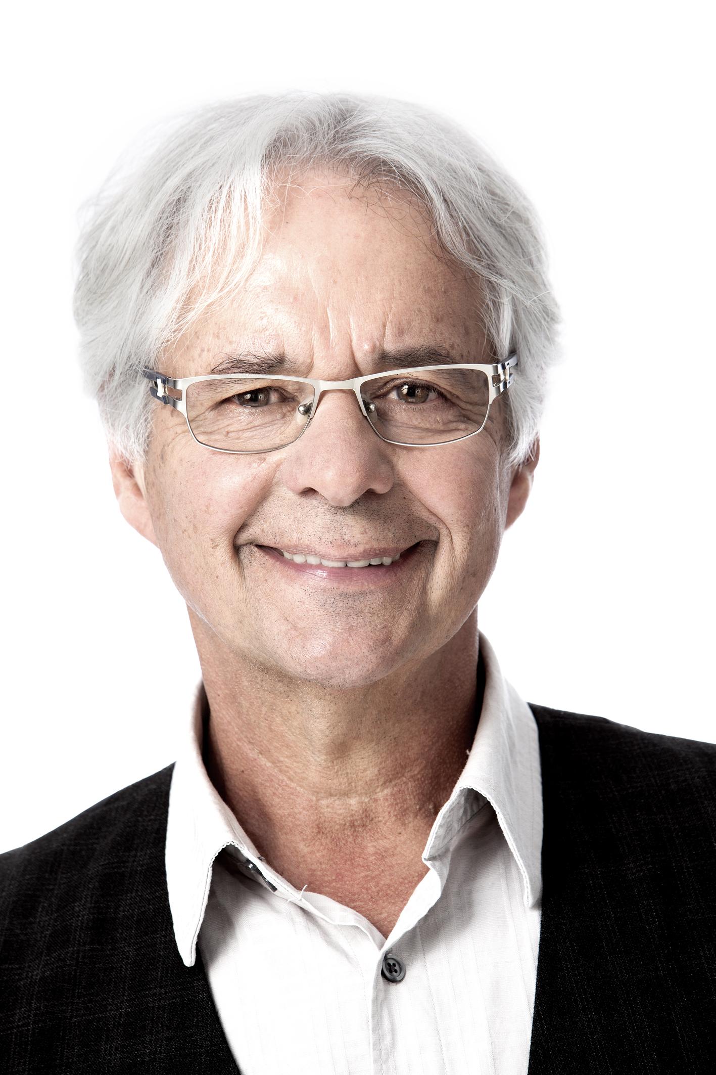 Dr. Gilles Julien