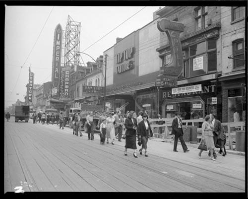 Construction du métro de la rue Yonge, 24 juin 1950