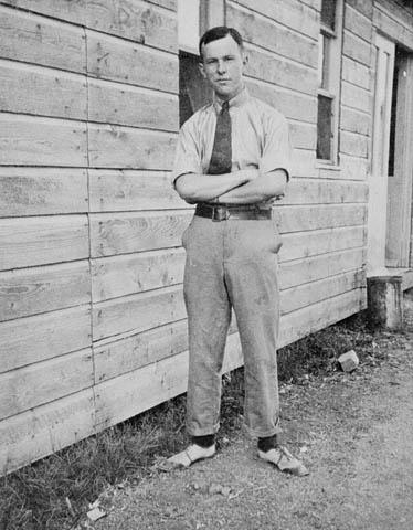 Lester B Pearson, 1916