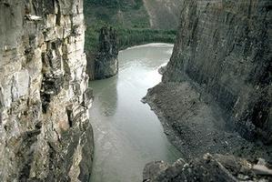 Nahanni, rivière