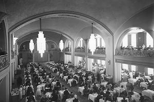 Diners in Arcadian Court