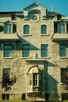 Immeuble historique, fenêtres d
