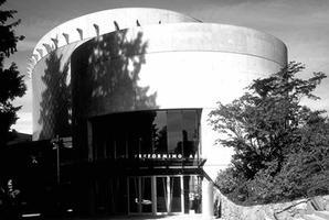 Chan Centre, Exterior