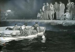 Marilyn Bell swims Lake Ontario, c 1954