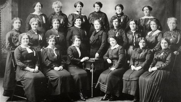 """""""Les gardiennes de l'école Guigues d'Ottawa"""", 1916"""