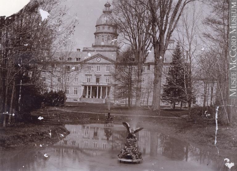 Photo du Séminaire de Saint-Hyacinthe vers 1910
