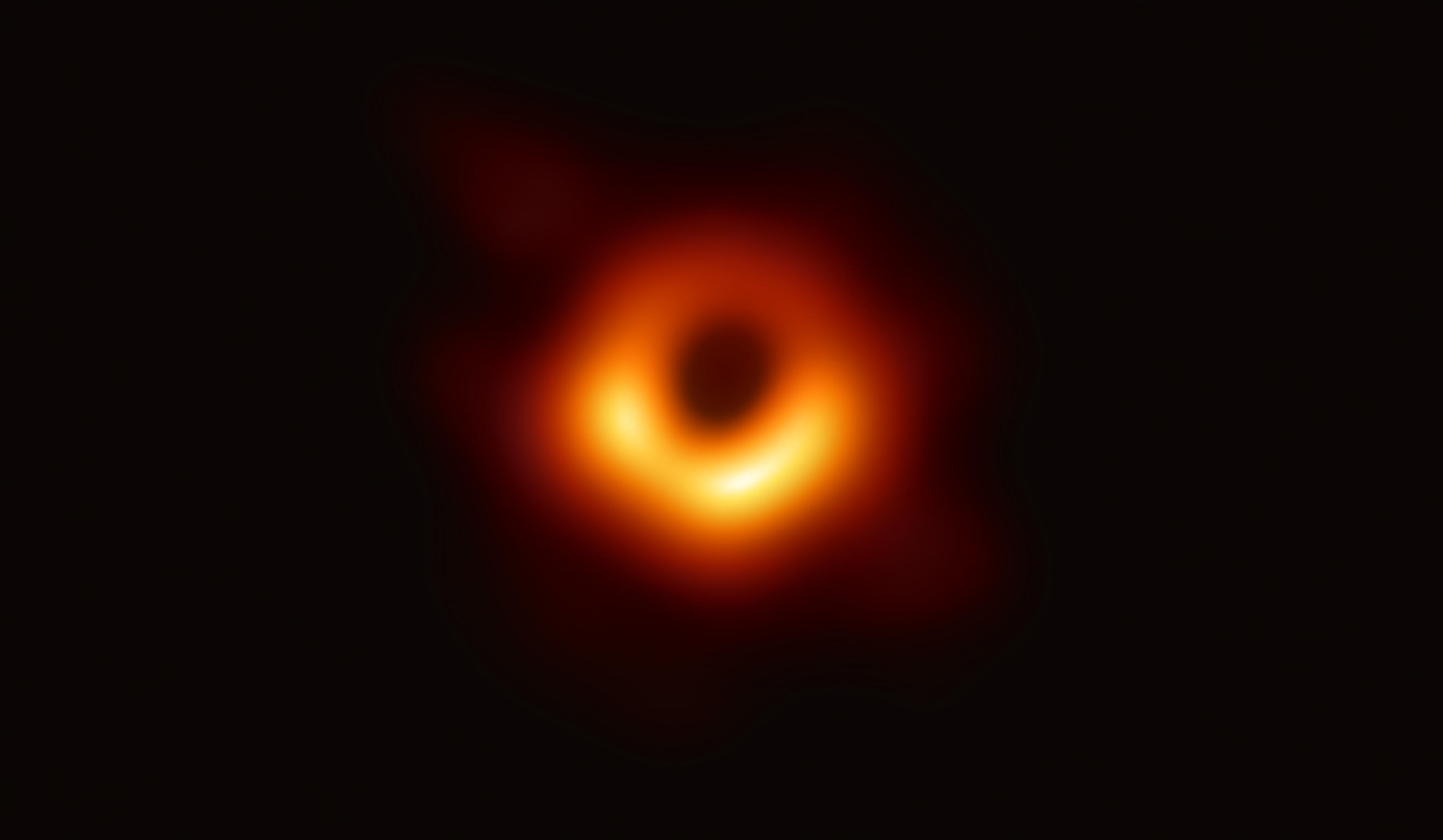 La première image directe d'un trou noir