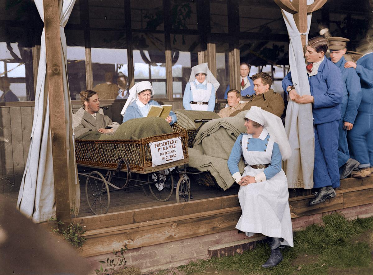 Prises de vues le jour de Noël 1917 à l'Hôpital de la Croix-Rouge de la duchesse de Connaught, Taplow.