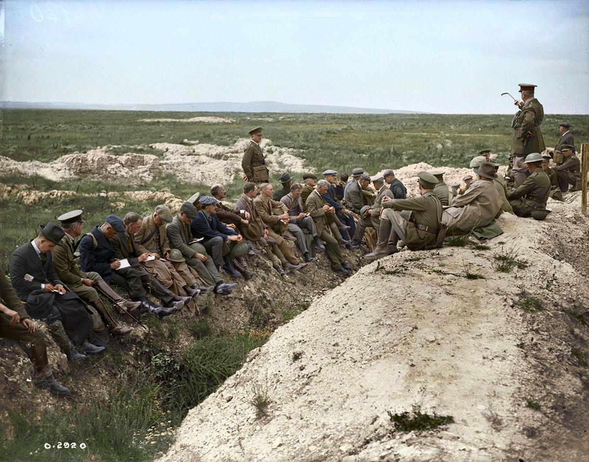 Gen. Currie telling how Vimy Ridge was taken. July, 1918.