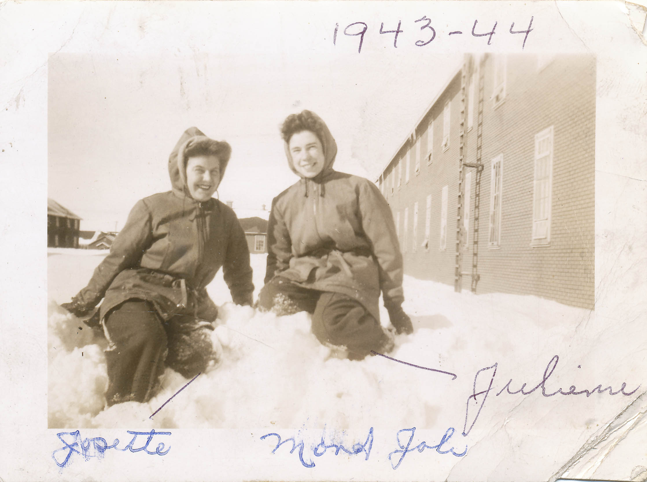 Julienne Leury, on the right, winter of 1943-1944, RCAF Mont-Joli base, Québec.