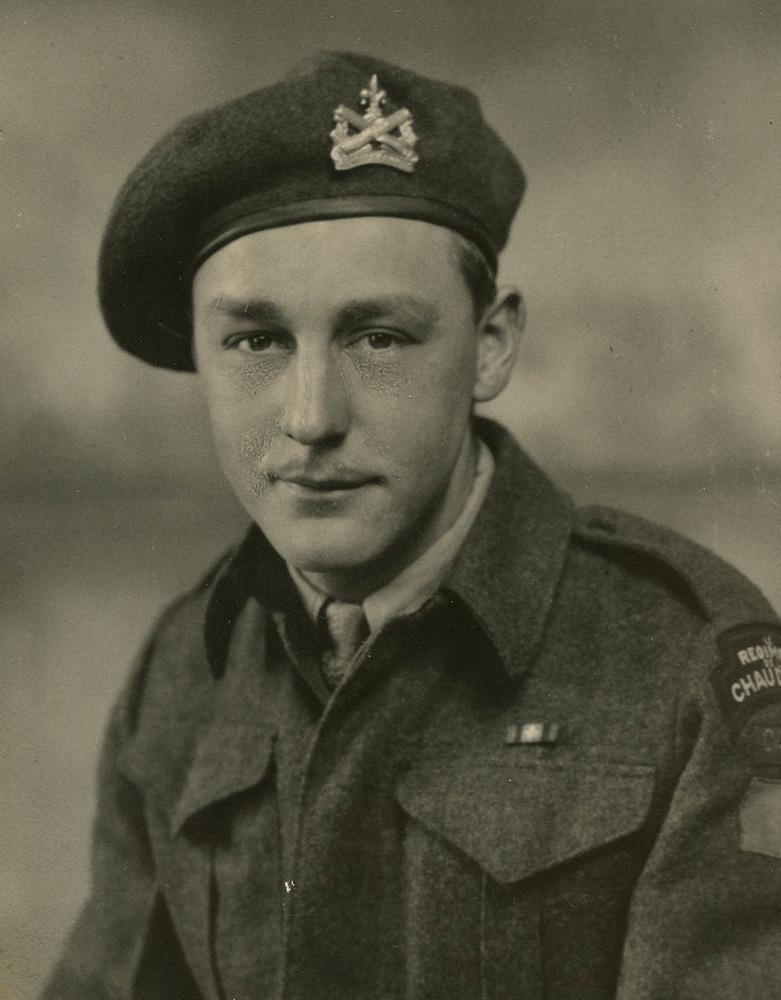 Portrait of Lorenzo Tremblay, taken in june of 1941, when he volonteered with Le Régiment de la Chaudière.